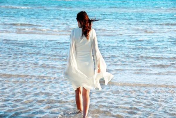 舟山朱家尖海边旅游东沙海滩如何避免被晒黑?
