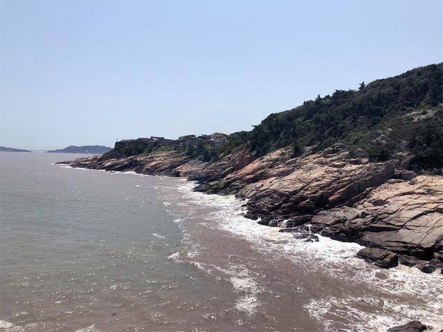 想去海滩享受浪花又怕人多?来浙江舟山群岛旅游吧