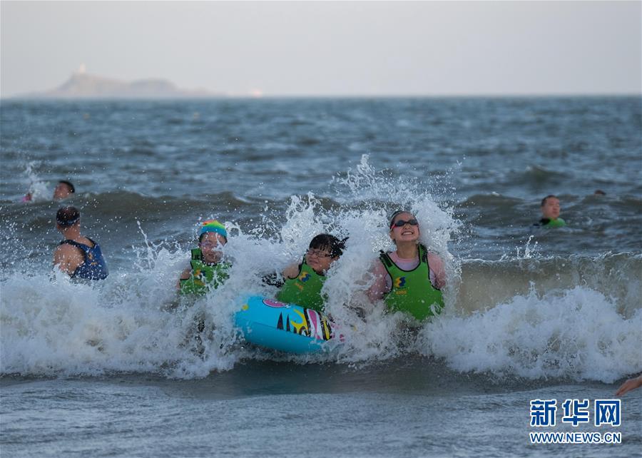 舟山旅游夏天夜游项目,朱家尖晚上也可以玩沙滩玩水